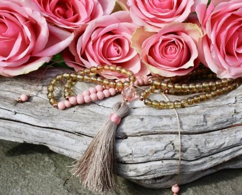 Perlenzimmer Essen - Perlenkette mit Anhänger