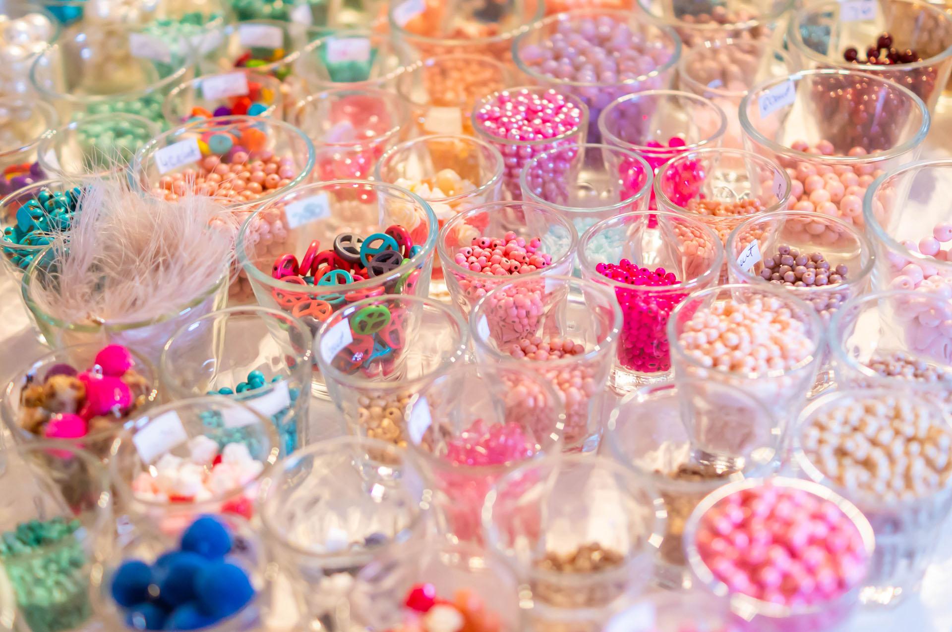 Perlenzimmer Essen, Perlen und Anhänger